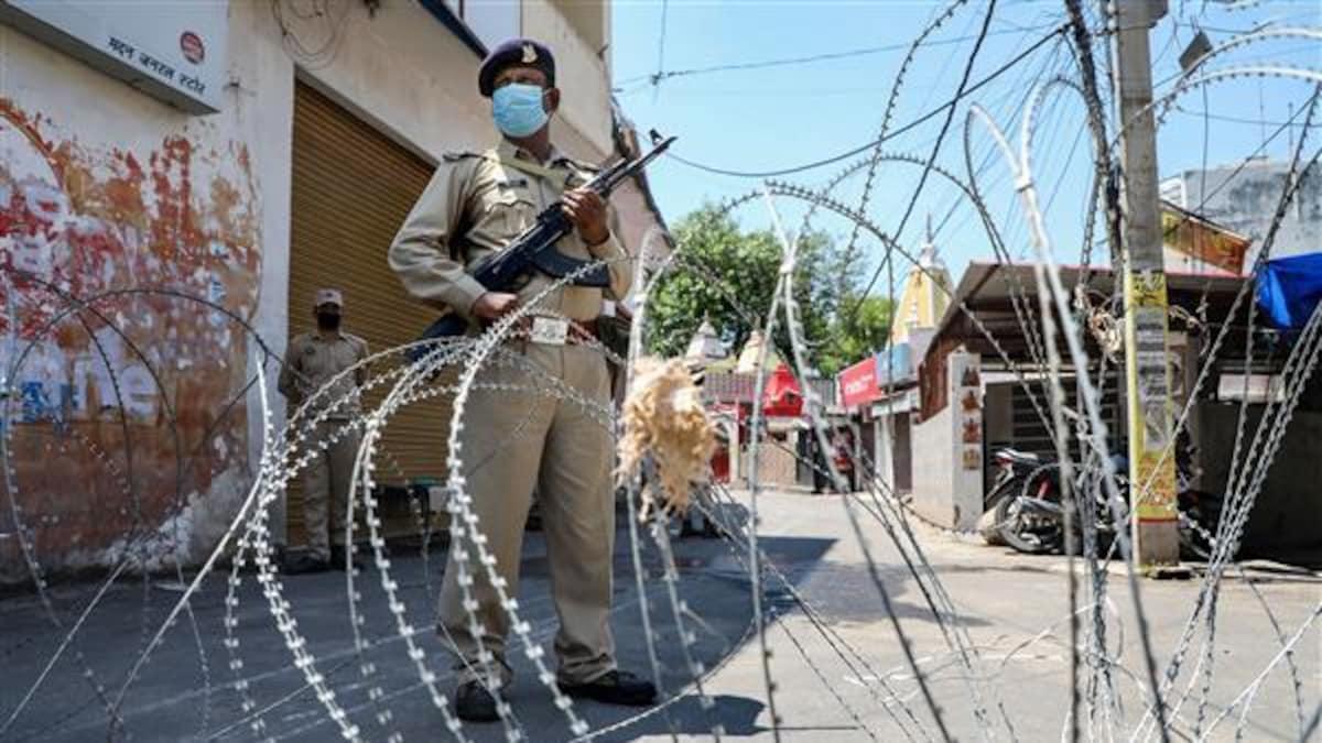 Corona Curfew - Admin announced corona curfew in 08 areas of Srinagar District