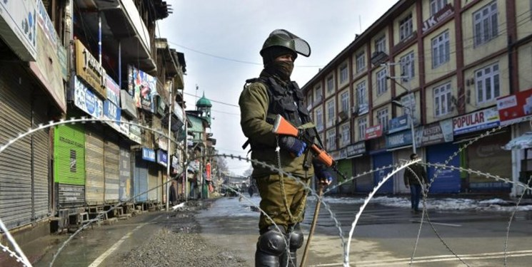 India, Pakistan report deadly violence along LoC, Killing at-least ten civilians and five security personnel