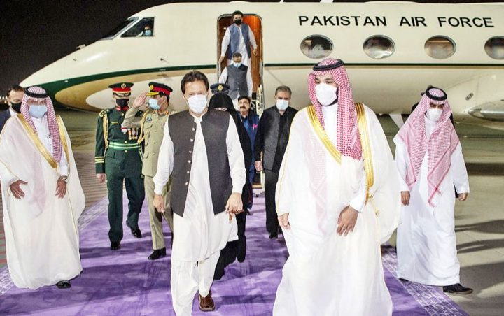 Saudi Arabia - Pakistan vow to reset ties strained over Kashmir Issue