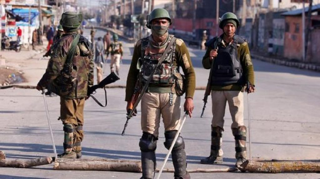 Ahead of Modi's meet, Alert sounded across Kashmir Valley
