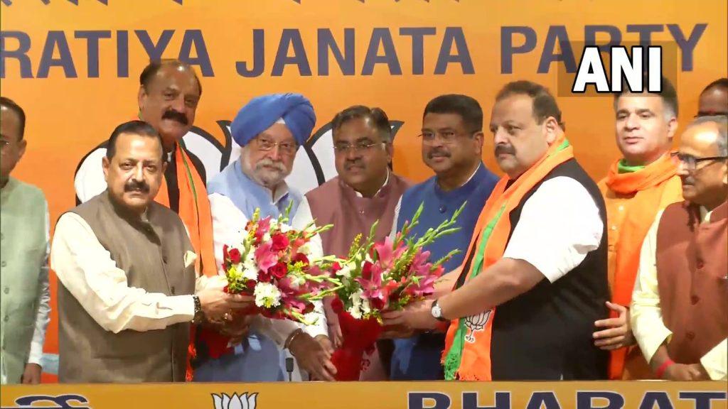 Post resignation from National Conference Devender Rana & Surjit Singh Slathia formally joined the BJP